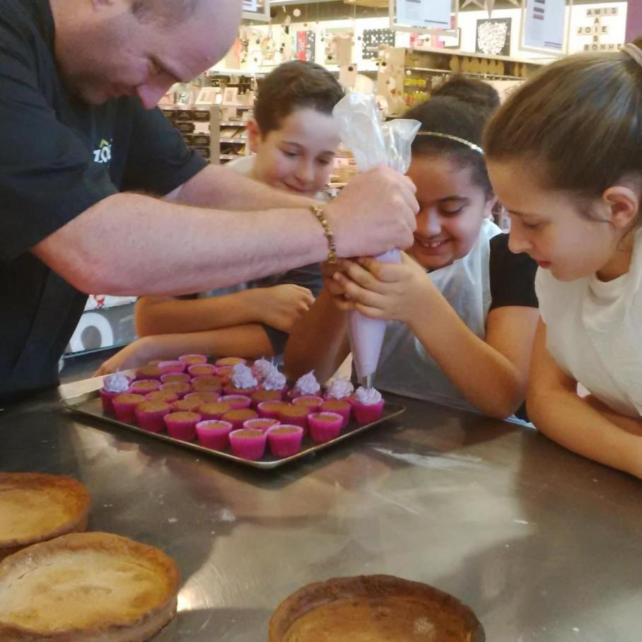 Super cours de cuisine pour les enfants des g teaux trop for Zodio cours cuisine