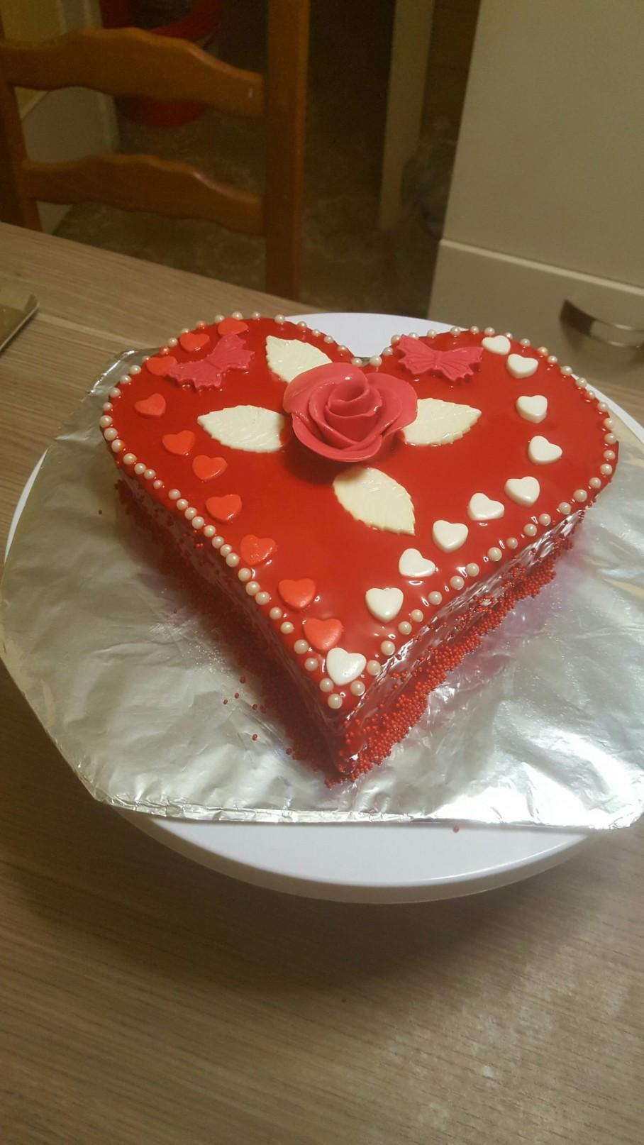 Coeur ganache chocolat pralin coulis de fraise est for Glacage miroir fraise