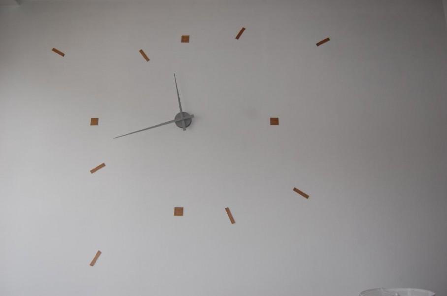 Horloge g ante r alis e avec du balsa et le m canisme for Horloge zodio