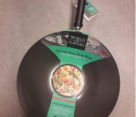 J'ai testé le World of Flavours 35,5cm Non-Stick Wok