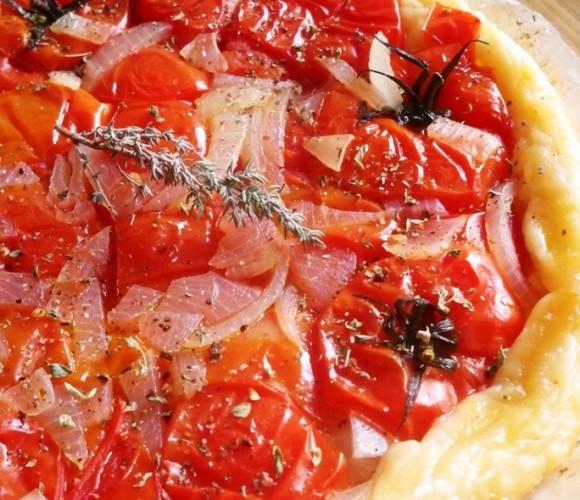 Tarte Tatin de tomate – oignon et thym !!!