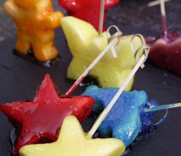 Recette Magazine : Figurines de pomme en coque de caramel