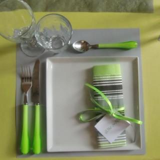 mes astuces pour une belle table pas trop ch re et en. Black Bedroom Furniture Sets. Home Design Ideas