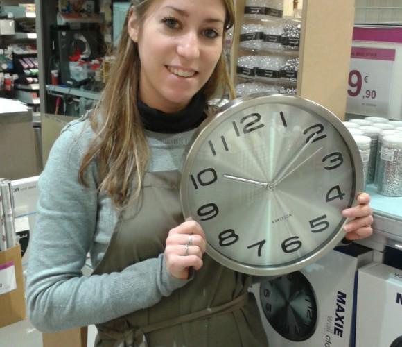 J'ai choisi pour un couple d'amis l'horloge MAXIE de la marque KARLSSON