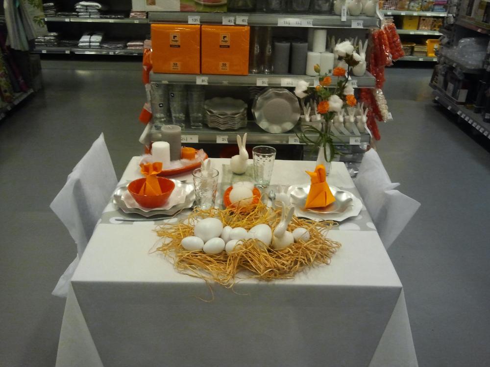 cette ann e on ose le orange pour la table de p ques blog z dio. Black Bedroom Furniture Sets. Home Design Ideas