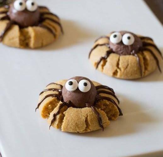 Cookies araignées au chocolat et beurre de cacahuète