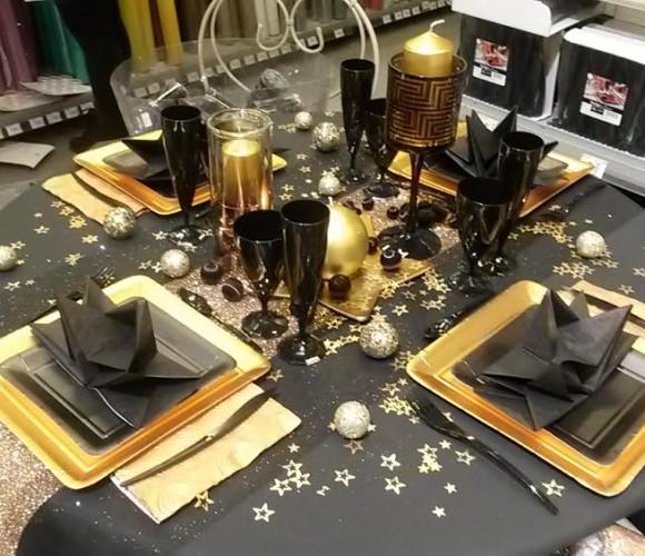 CHIC et CLASS en Or et Noir … La table éphémère des fêtes 2014