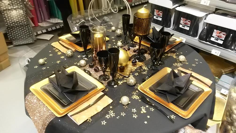 Chic et class en or et noir la table ph m re des f tes 2014 blog z dio Decoration noir or luxe classe