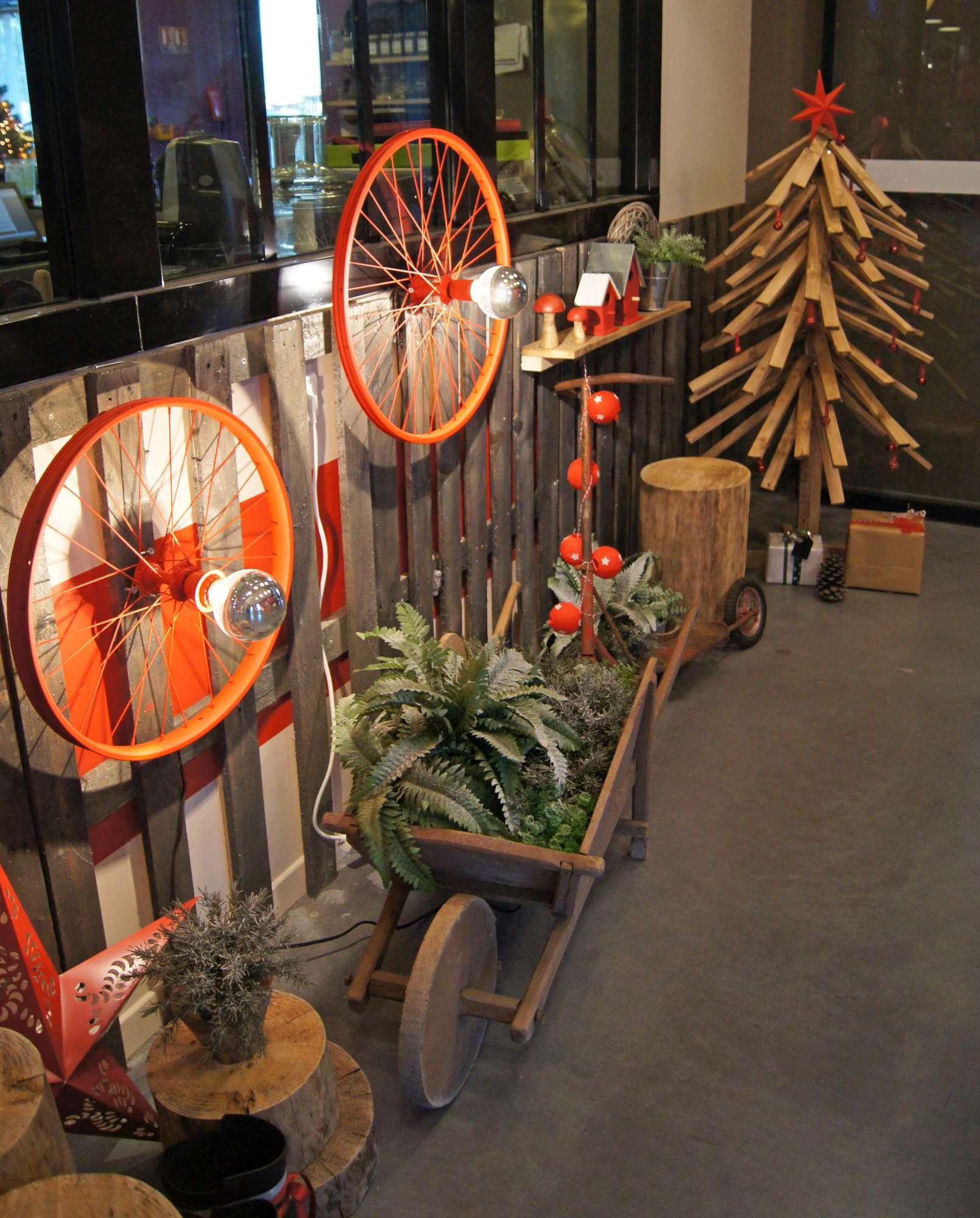 mon luminaire cr atif avec une roue de v lo blog z dio. Black Bedroom Furniture Sets. Home Design Ideas