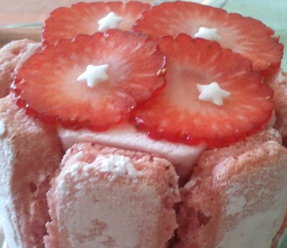 De petites charlottes aux fraises