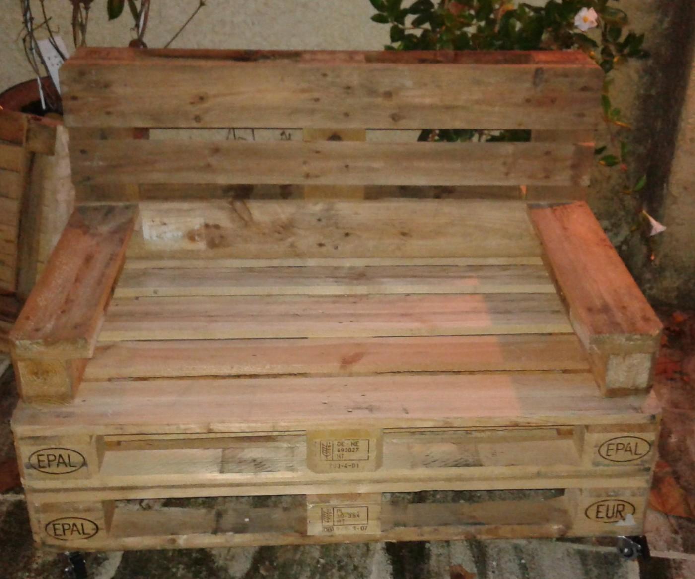 comment s 39 occuper utile un dimanche ou comment construire un canap en palettes blog z dio. Black Bedroom Furniture Sets. Home Design Ideas