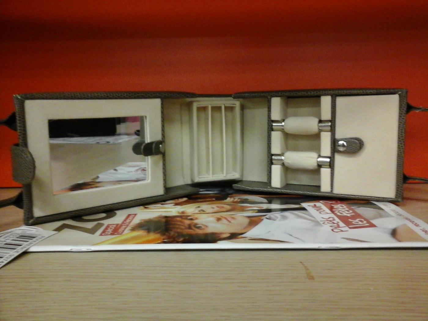 une id e cadeau pour ma grand m re blog z dio. Black Bedroom Furniture Sets. Home Design Ideas