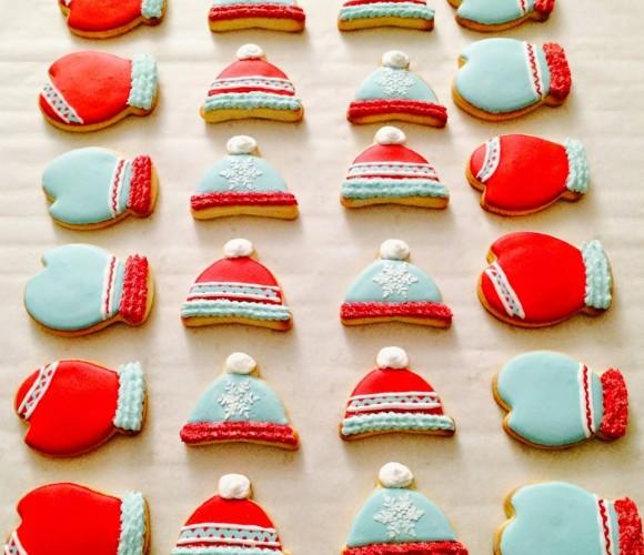 Des biscuits bonnets et mouffles pour se réchauffer :)!
