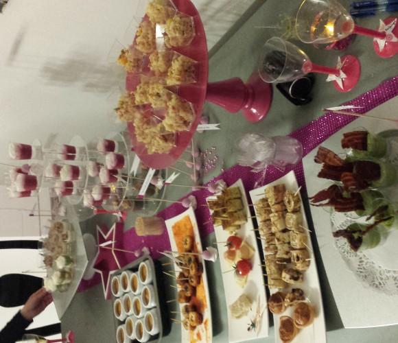 Buffet rose de Nouvel an