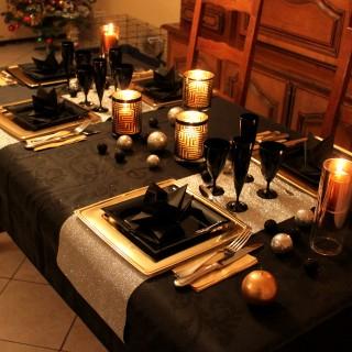 table de reveillon chic en noir or et argent blog z dio. Black Bedroom Furniture Sets. Home Design Ideas