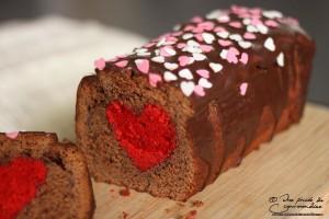Cake surprise chocolat-framboise pour séduire votre Valentin(e)