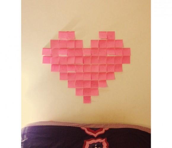 Détournons ensemble … Des post-it en deco murale pour votre saint-Valentin !