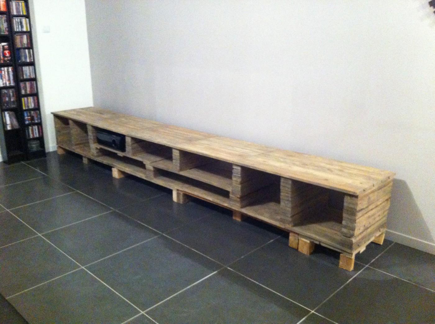 Un meuble tv sur mesure en palette blog z dio - Construction de meuble en palette ...