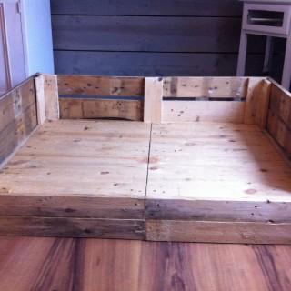 panier en palette pour nos animaux de compagnie blog z dio. Black Bedroom Furniture Sets. Home Design Ideas