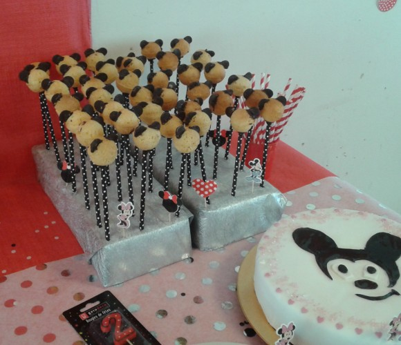 mes pop cakes minnie