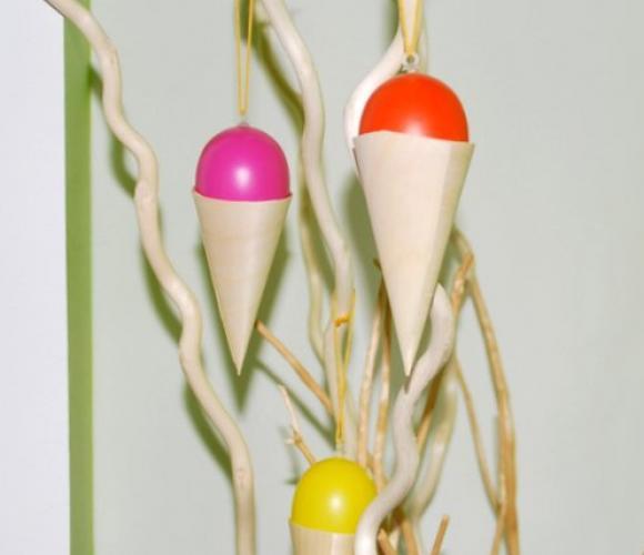 Oeufs « cornets de glace » à suspendre pour Pâques