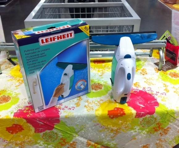 J'ai testé pour vous L'aspirateur lave vitre Leifheit !!!