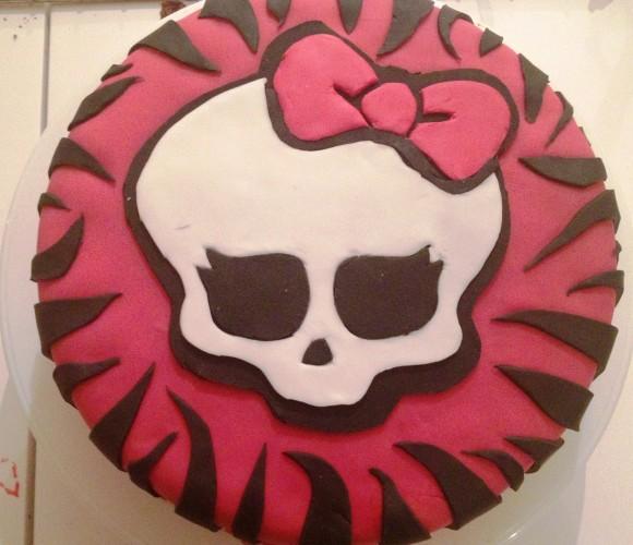 Gâteau à la demande «monster high»
