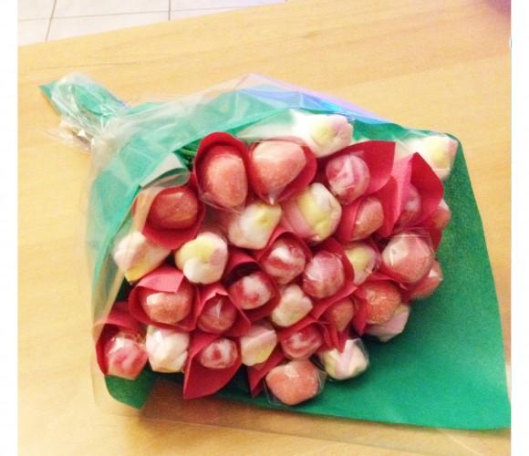 Détournons ensemble des bonbons en bouquet de fleurs pour votre maman !
