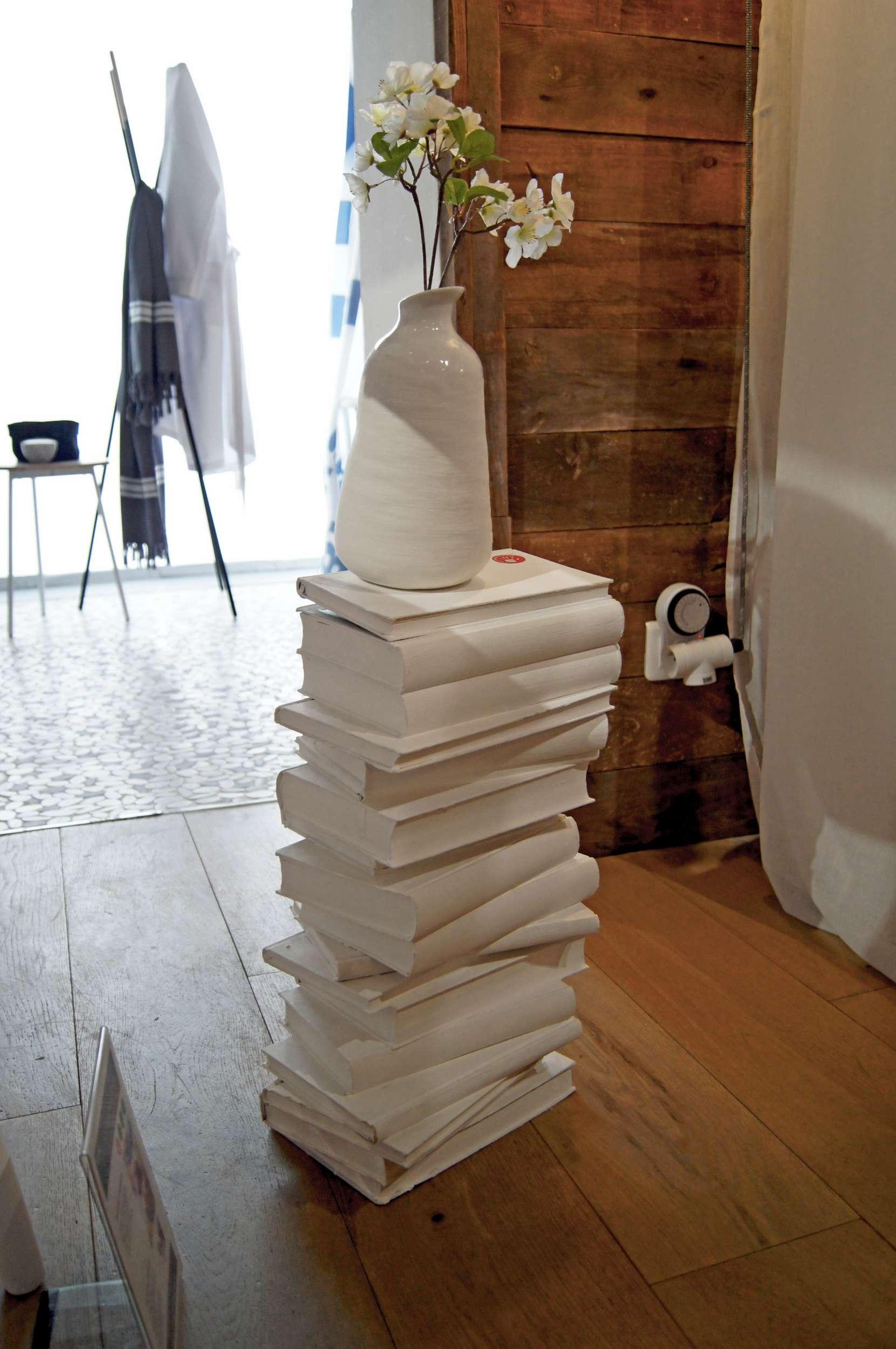l 39 astuce d co de sophie ma table de nuit cr ative en. Black Bedroom Furniture Sets. Home Design Ideas