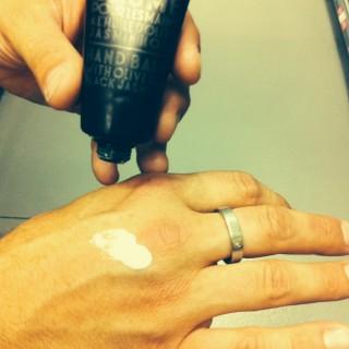 J'ai testé pour vous baume pour les mains à l'huile d'olive et jasmin noir