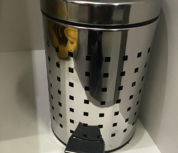 J'ai testé pour vous la poubelle inox «cube» ajourée