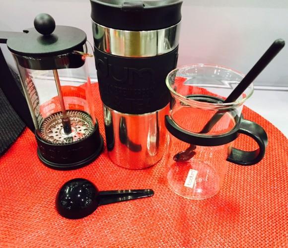 J'ai testé pour vous : Le set Cafetière Bodum Brazil avec le mug de voyage !
