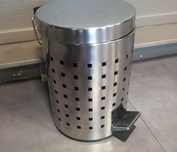 J'ai testé pour vous la poubelle inox cube ajourée