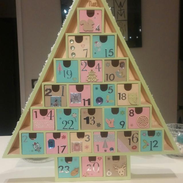 J 39 ai choisi pour ma fille un calendrier de l 39 avent fait maison blog z dio - Calendrier de l avent pour fille ...