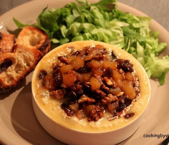 Camembert à la pomme caramélisé et noix