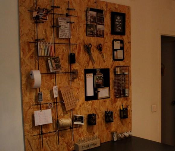 Des idées de détournements d'objets pour organiser un panneau mural de bureau !