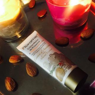 """J'ai testé pour vous : la """"Crème Mains de Provence"""" à l'amande de chez Florame ! ?"""