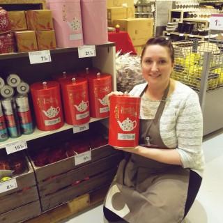 J'ai choisi pour mon amie Claudine la Grande Boîte à Thés de chez English Tea Shop