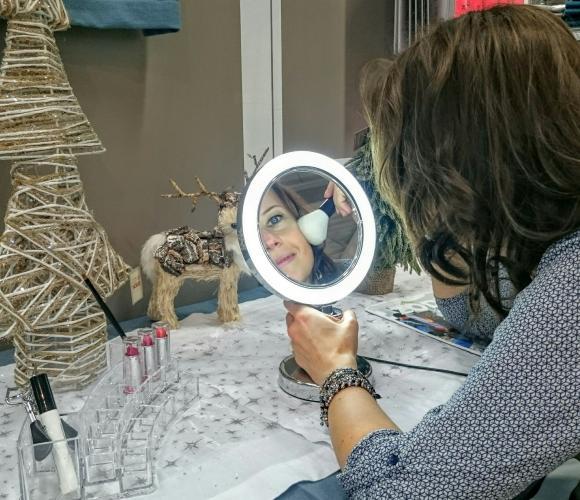 J'ai choisi pour ma belle soeur le Miroir lumineux x7 à poser