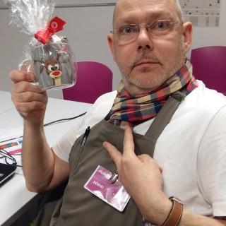 J'ai choisi pour Max mon chef vénéré le Mug Renne et chocolats Monbana