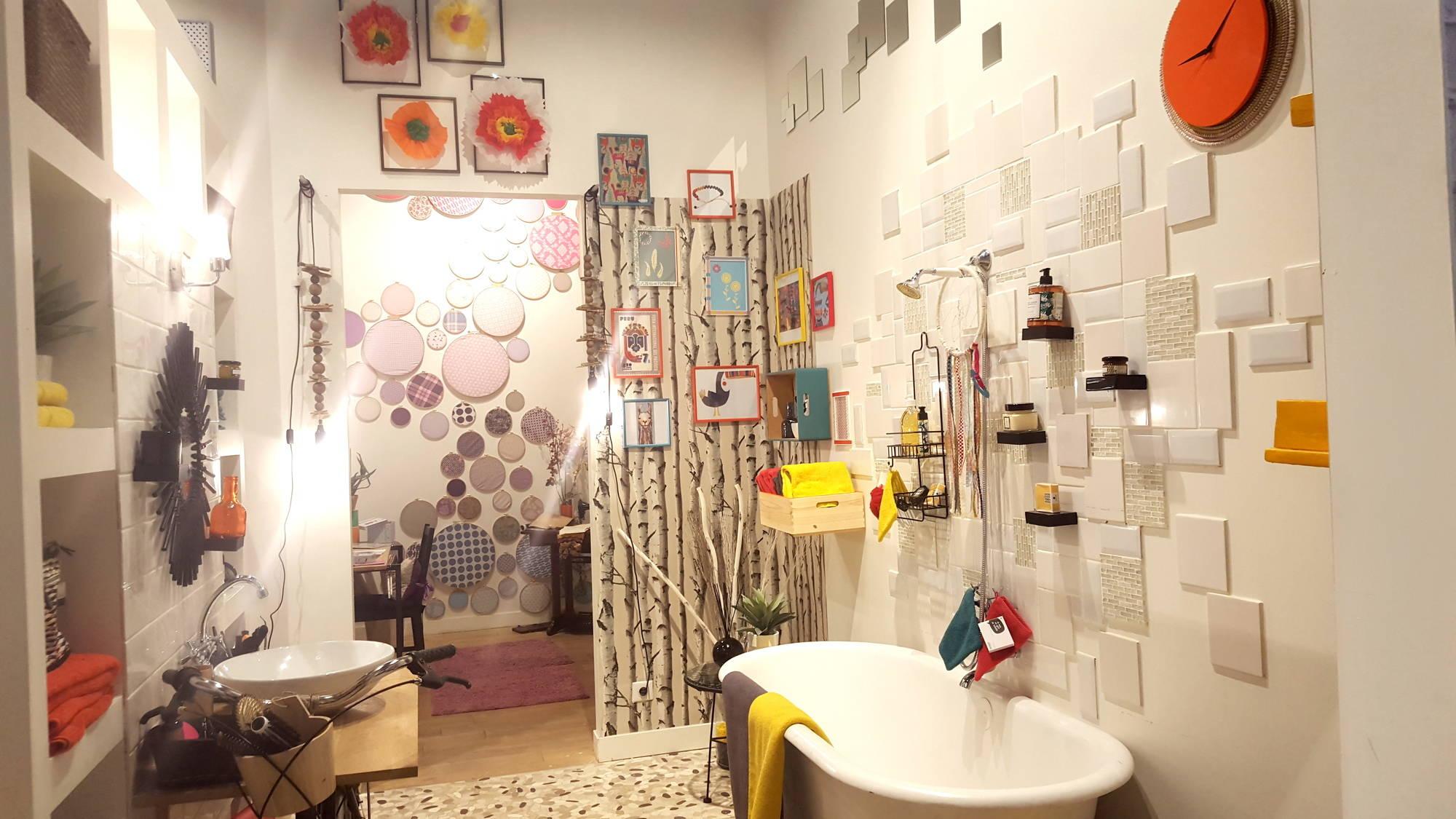 d clic colors dans la salle de bain de gennevilliers. Black Bedroom Furniture Sets. Home Design Ideas