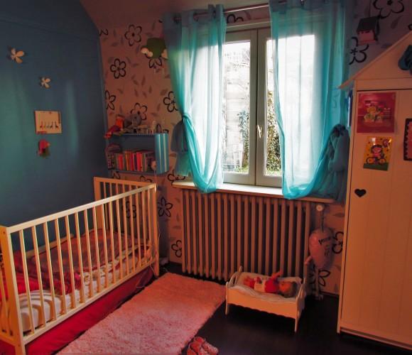 Un tapis de salle de bain zodiô détourné pour la chambre d'une petite-fille
