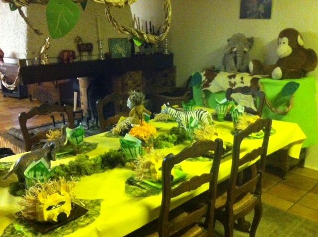 Un anniversaire roi lion blog z dio for Decoration chambre le roi lion