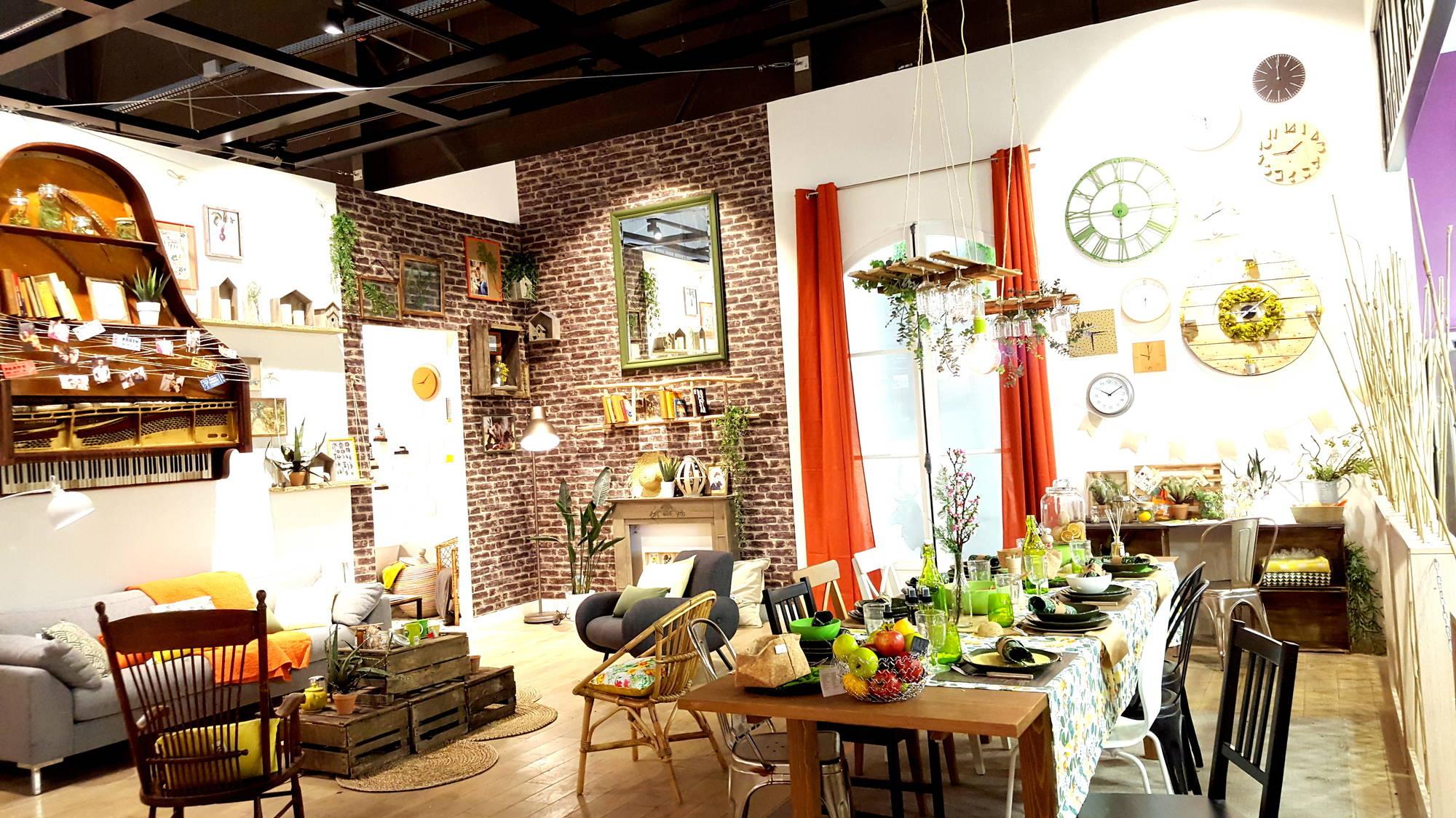 nouveaux d clic cabane dans votre salon. Black Bedroom Furniture Sets. Home Design Ideas
