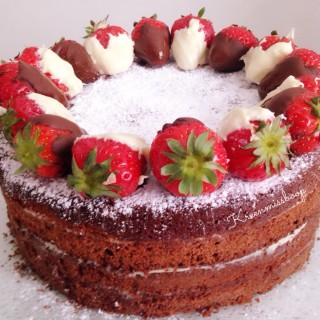 Cake Design / Naked Cake Choco-Fraises {Recette}