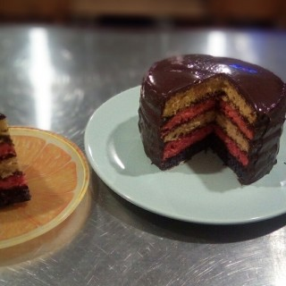 J'ai testé pour vous wILTON les moules à Rainbow Cake (Easy Layers)