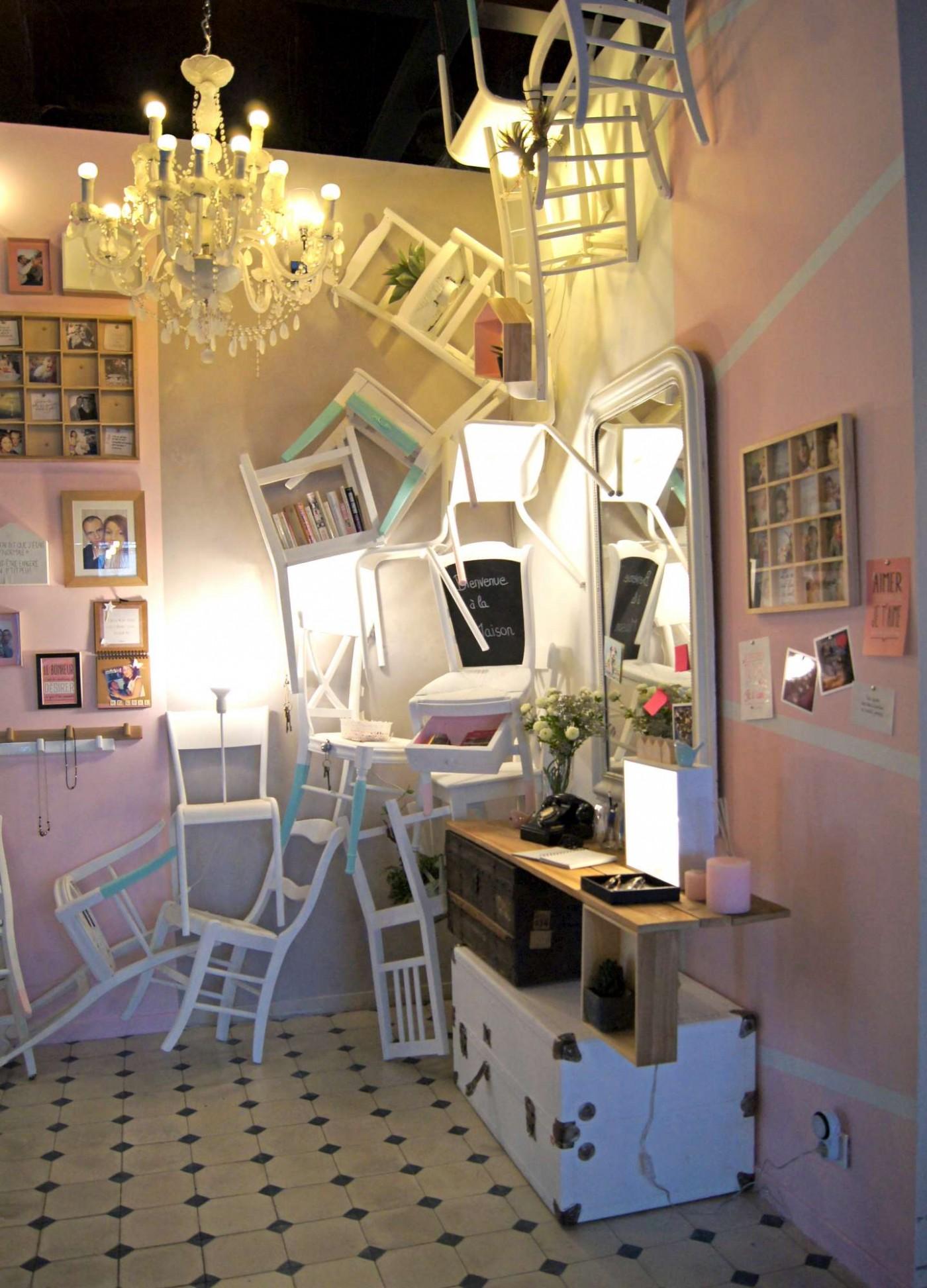 La nouvelle entrée Zôdio, une dégringolade de chaises!