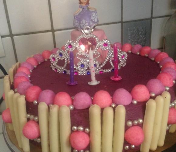 Gâteau Princesse Sofia façon Rainbow Cake