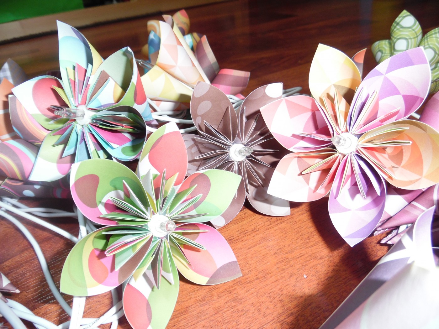 Une guirlande lumineuse Origami pour ma fille !