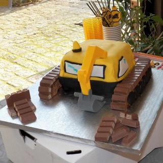 Gâteau Pelleteuse Anniversaire Thème Chantier Blog Zôdio